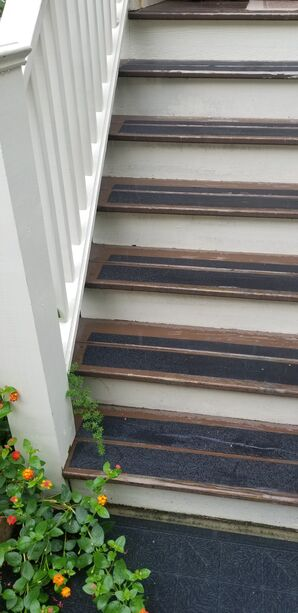 Before & After Stair Painting in Charleston, SC (1)